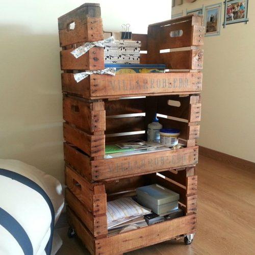 palmito-estanteria-cajas-fruta-antiguas-ruedas