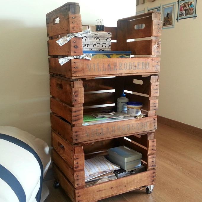 Estanteria cajas de fruta morera ecodeco mobiliario - Estanteria con ruedas ...