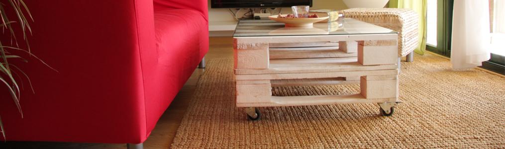 De cocina con palets de madera mesas y estanter as de - Mesa de palets bricolaje ...