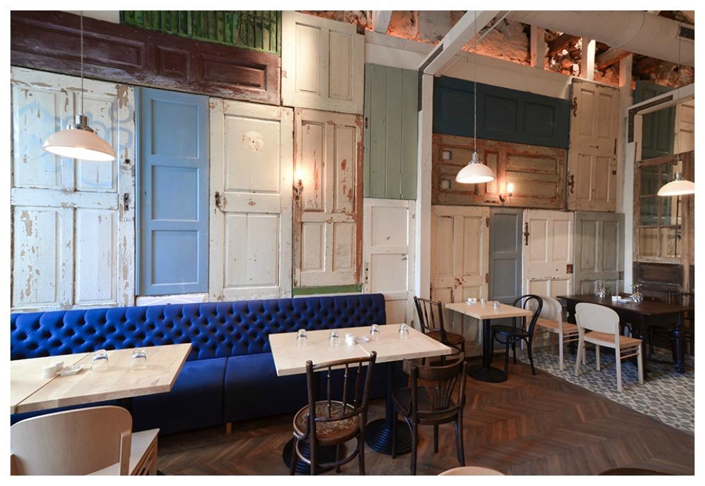Puertas recicladas ecodeco mobiliario - Decoracion de paredes en madera ...
