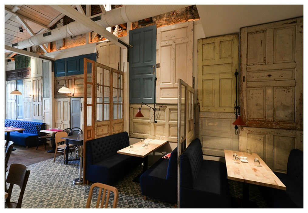 Puertas recicladas ecodeco mobiliario for Decoracion con puertas antiguas