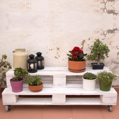 Muebles hechos con palets - Maceteros de palets ...