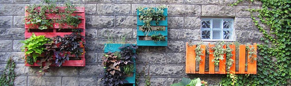 Jardinera de palets ecodeco mobiliario for Jardin colgante con palets