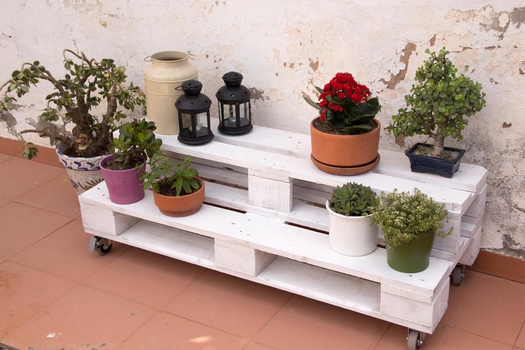 Jardinera palets gabarr ecodeco mobiliario for Que plantas poner en una jardinera