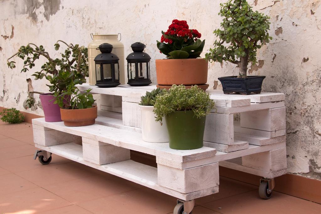 Jardinera palets gabarr ecodeco mobiliario - Jardineras con ruedas ...