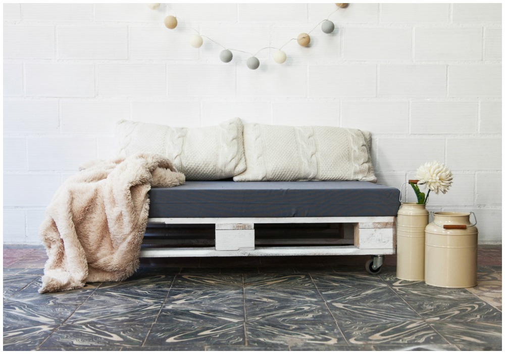 09-sofa-de-palets-aneto-blanco