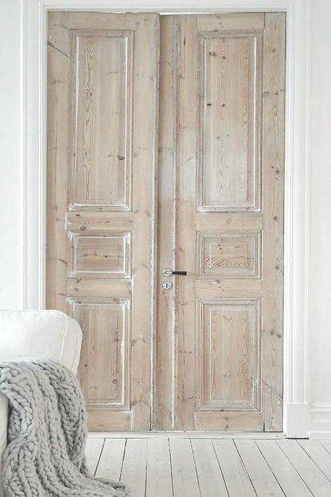 Puertas antiguas dobles dormitorio ecodeco for Puertas antiguas dobles