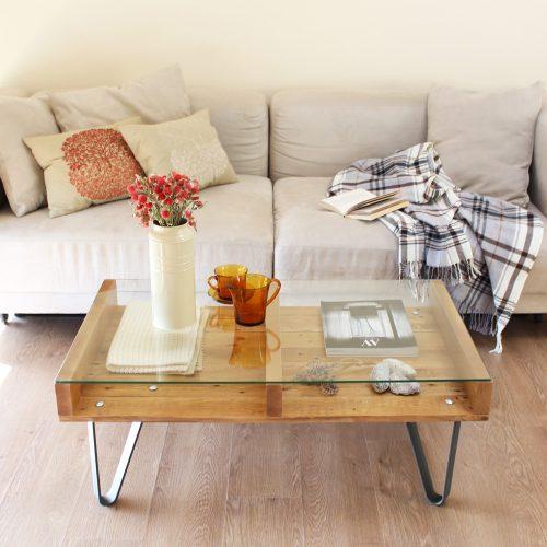 00-cervino-mesa-centro-madera-reciclada-palet-vidrio-patas-metalicas