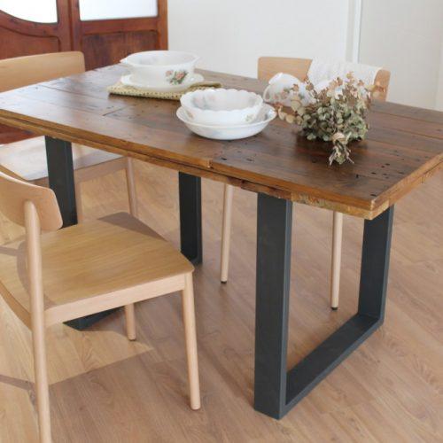 Alcazaba mesa de comedor de tableros de madera reciclada for Mesa comedor madera natural