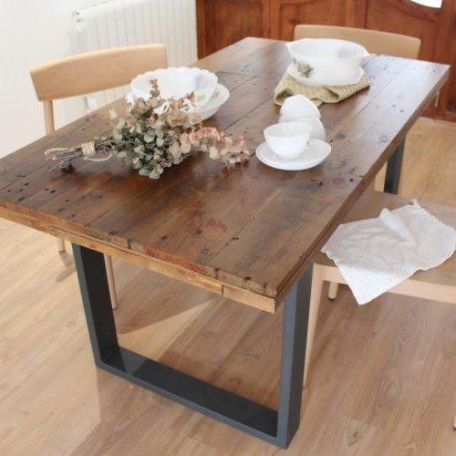 Alcazaba mesa de comedor de tableros de madera reciclada for Living comedor con palet de madera
