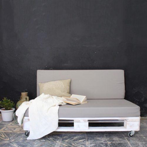 01-sofa-palets-blanco-maladeta